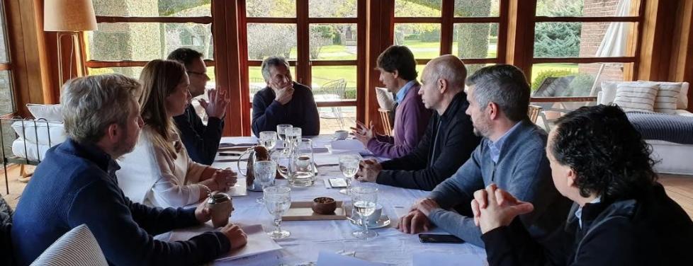 """Macri recibió a Lacunza: se trataron """"las prioridades de la gestión"""""""