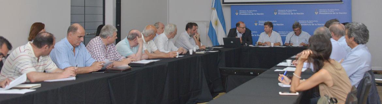 Mesa de Lechería: se evaluaron mercados 2020 y criterios para reempadronar establecimientos lácteos