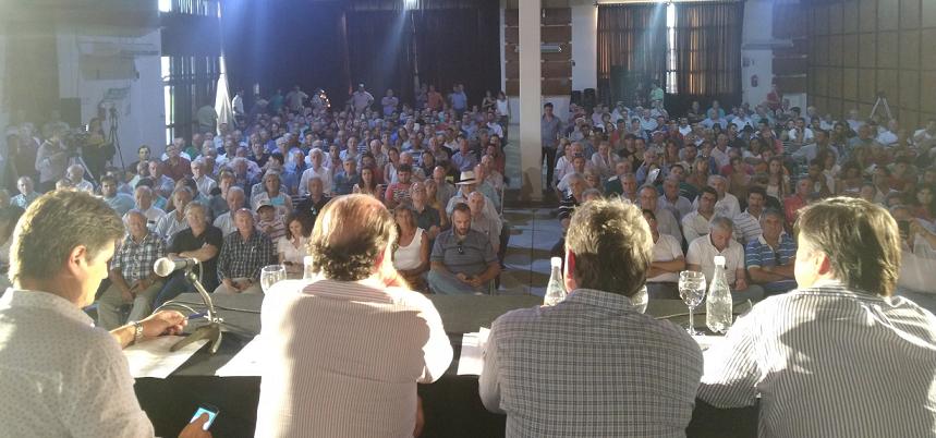 La asamblea de Río Cuarto rechazó esquema de retenciones y pide a la política que ajuste