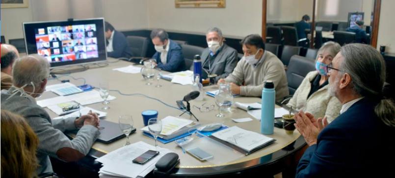 Basterra dijo que no está en agenda del PEN tratar el tema Junta Nacional de Granos