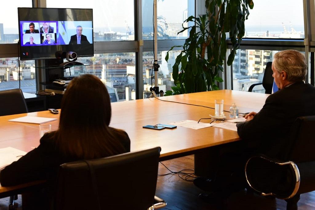 Reunión virtual Solá con Mesa de Enlace. El campo aseguró que «será vital» en la post-pandemia