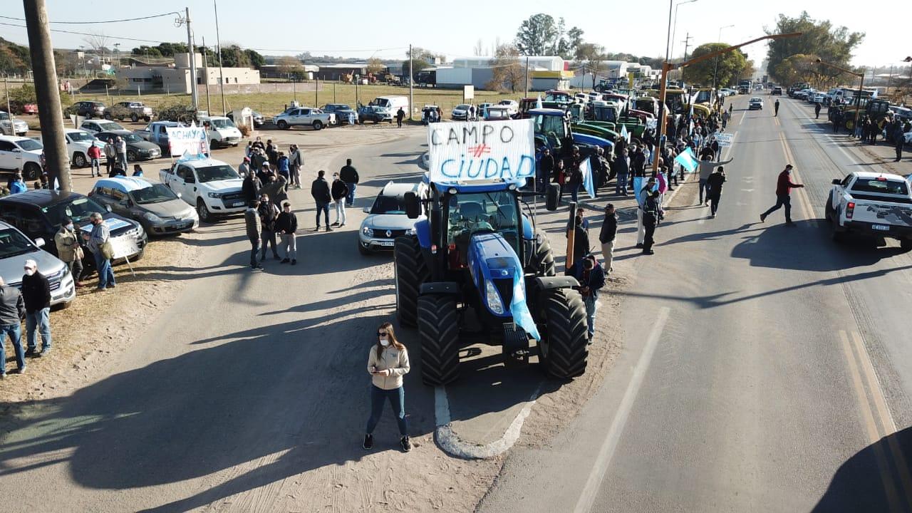 Banderazo por Vicentin en todo el Interior:  motorizó la protesta del campo