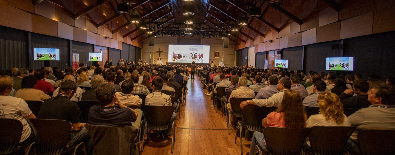 Mastellone organiza charla virtual sobre «el pasto como recurso» en la lechería: mañana miércoles 12, a las 17