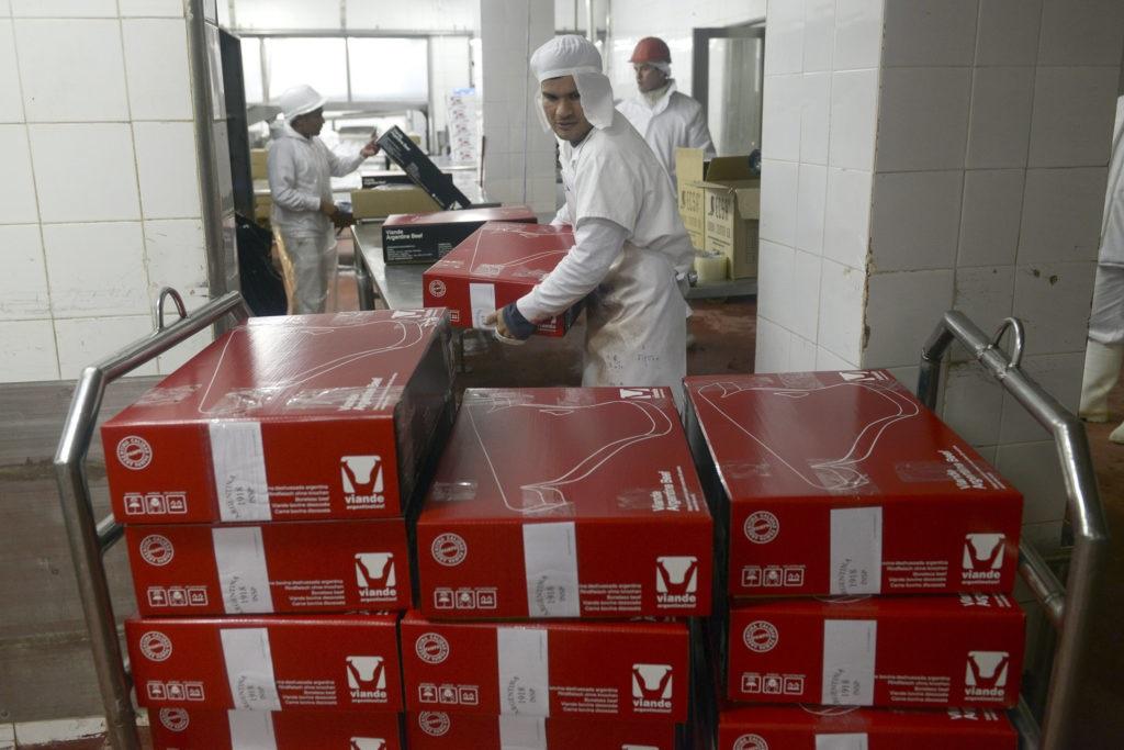 Aunque a menor precio, Argentina llegó a las 900 mil tn de carne vacuna exportada en 2020